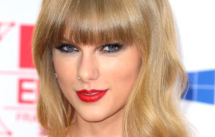 Taylor Swift Website App插件截图